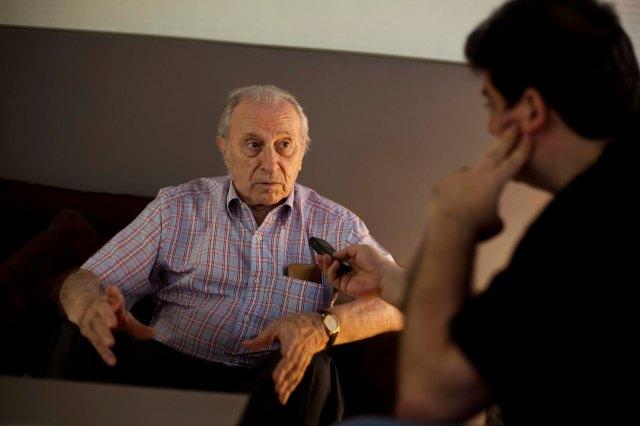 Burguera i Viadel conversen en un cèntric hotel de valència, estiu de 2012. Foto, Biel Aliño.