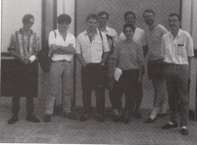 Riola 6 de novembre de 1987. D'esquerra a dreta, Àlex Vidal, Francesc Viadel, Manel Alonso, Francesc Xavier Llorca, Mara Alberola, Xavier Llàcer, Pep Cortell i Vicent Penya.