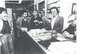 Josep Renau, Eliseu Climent, Raimon, Joan F.Mira i Joan Fuster, el 12 de març de 1968 en l'acte d'inauguració de la llibreria Tres i Quatre.