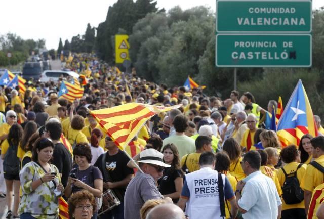Via Catalana, als límits del País Valencià amb el Principat, 11 de setembre de 2013.