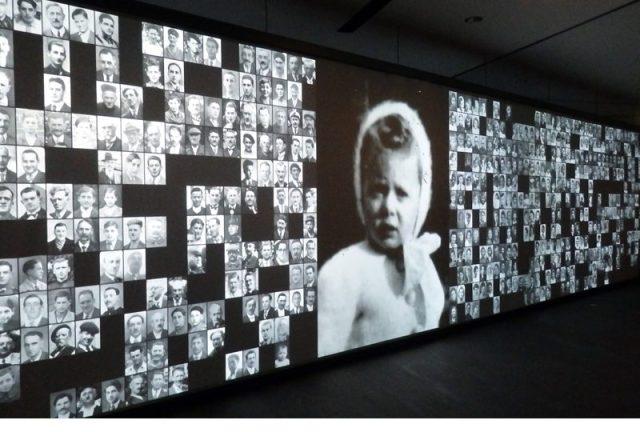 Imatge de l'exposició al Centre de la Memòria d'Oradour. Doc Levin. Cabinet Graphisme Général.