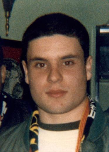 Guillem Agulló, assassinat per un escamot nazi l'11 d'abril de 1993.