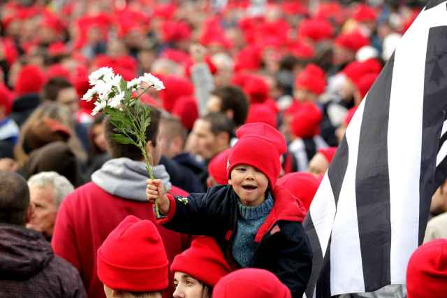 Manifestació dels bonnets rouges, nacionalistes bretons, el novembre de 2013 a Quimper. Foto: Fabrice Elsner/20 minutes.