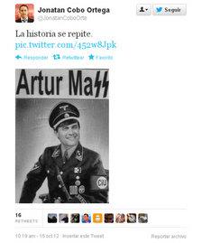 Piulada d'un dirigent local català del PP comparant Mas amb un oficial nazi.