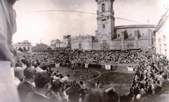 Algemesí, plaça de bous, imatge anys 40.