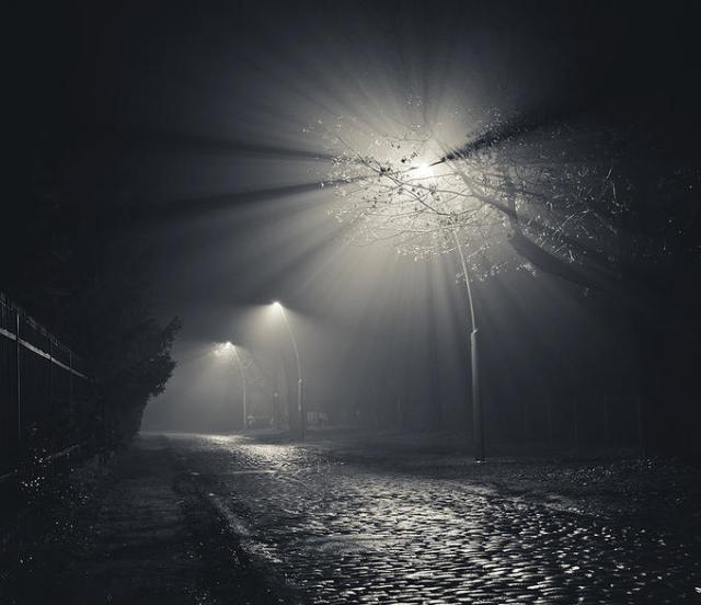 Light Foggy Street, de Michael Sulka.