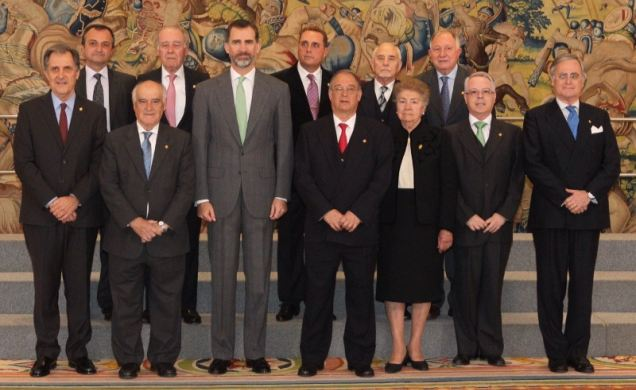 Felip VI amb la junta de govern de la RACV. Foto/Casa Real.