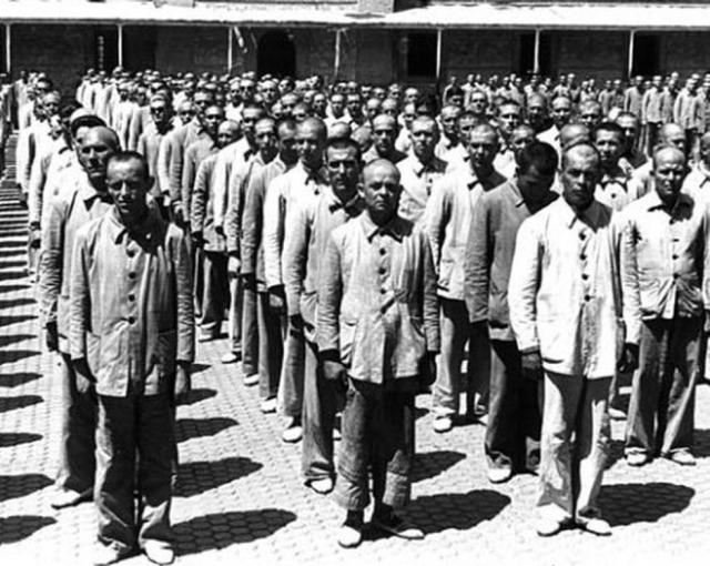 Presos republicans en una presó franquista, acabada la guerra civil.