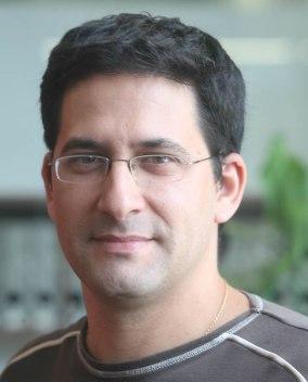 El periodista, Víctor Maceda.