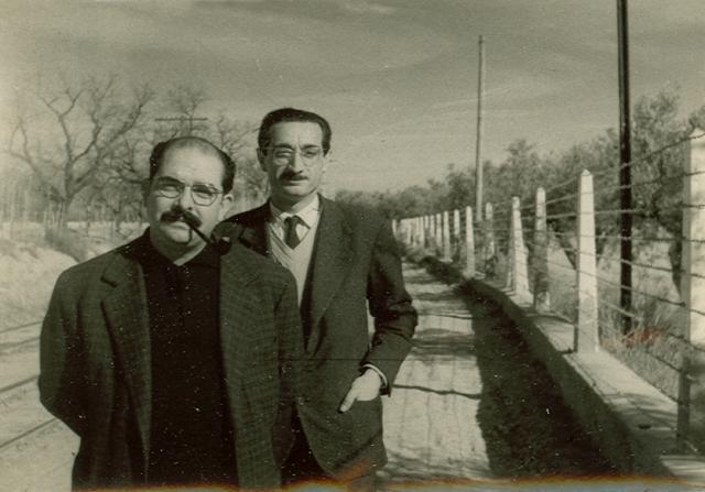 Vicent Ventura i Joan Fuster durant un viatge al Campello. Foto /Casa Fuster