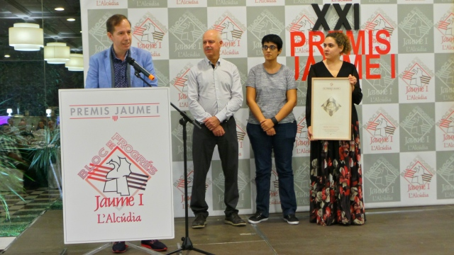 Escribano durant l'acte d'entrega a El Tempir del premi Tio Canya.