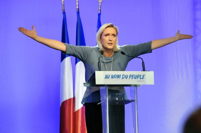 TOPSHOT-FRANCE-POLITICS-CONGRESS-PARTY-FN