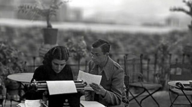 El poeta oriolà Miguel Hernàndez amb la seua dona, Josefina Manresa.